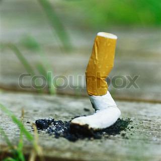 Bild von 'zigarette, rauchend, jahre'