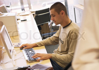 Image of 'it, computer, writing'