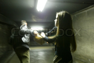 Billede af 'forbrydelse, kvindelig, voldsmand'