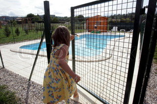 Image of 'accident, kids, pools'