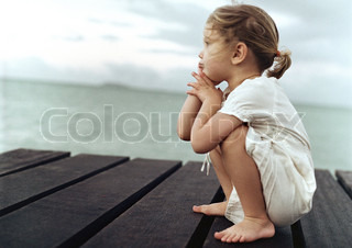 Image of 'summer, child, pensive'