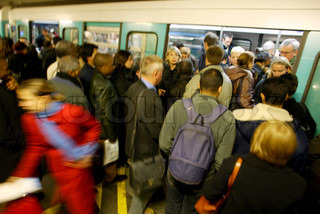 Image of 'train station, crowd, subway'