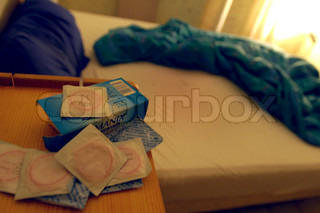 Image of 'contraceptives, bed, preservatif'