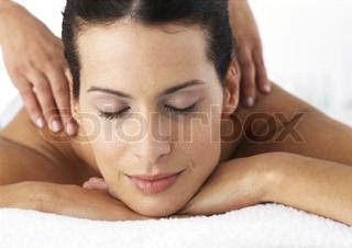 Image of 'massage, hand, bare'