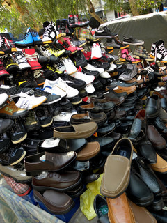 SELLING NEW FOOTWEAR