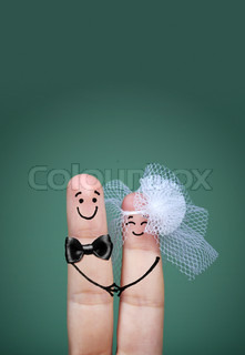 bride and groom fingers