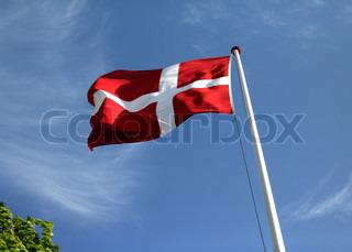 Bild von 'blauer himmel, skandinavisch, dänische Flagge'