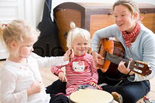Bild von 'frau, jung, singen'