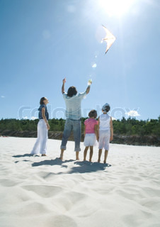 Image of 'families, kite, summer'