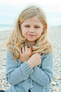 girl at the autumn beach