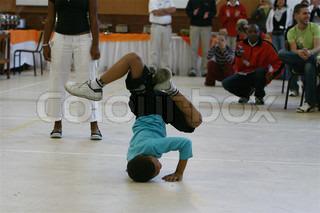 Billede af 'børn, indendørs, hip hop'