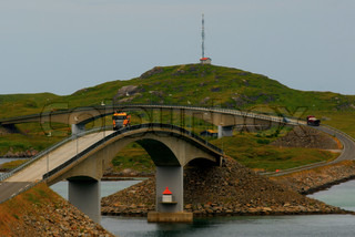 Image of 'lofoten, truck, bridge'